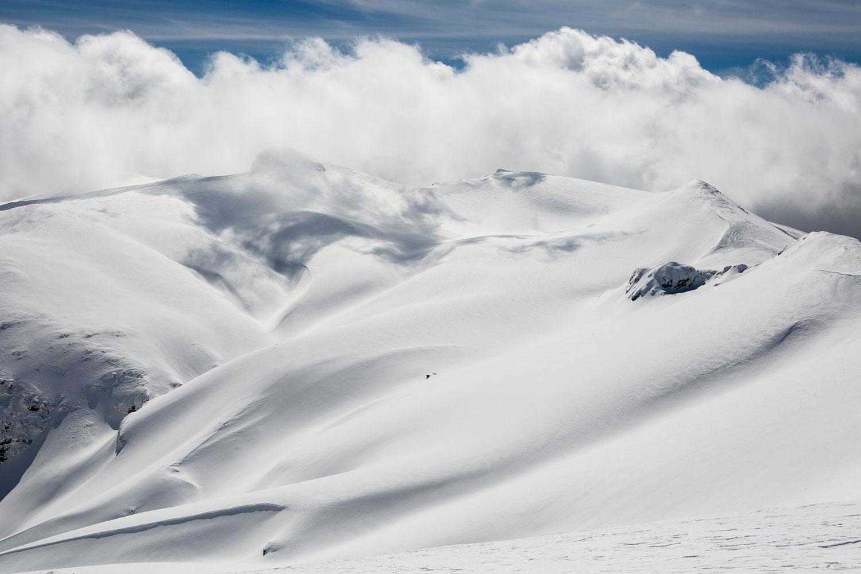 https://kerteziarchontiko.gr/wp-content/uploads/2020/09/ski-resort-7.jpg